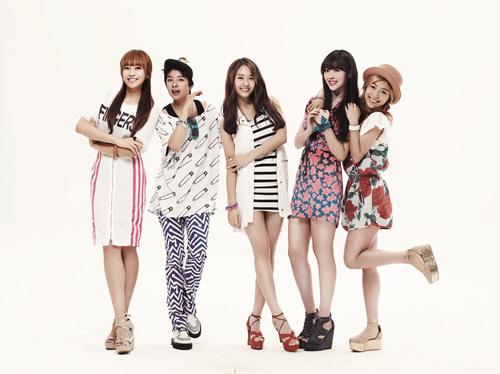 http://soeulmateskoreanaddicts.wordpress.com/2012/01/14/fx-renews-endorsement-deal-with-chicken-mania/