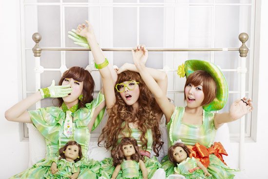 http://yeinjee.com/orange-caramel-magic-girl-music-video-pictures/