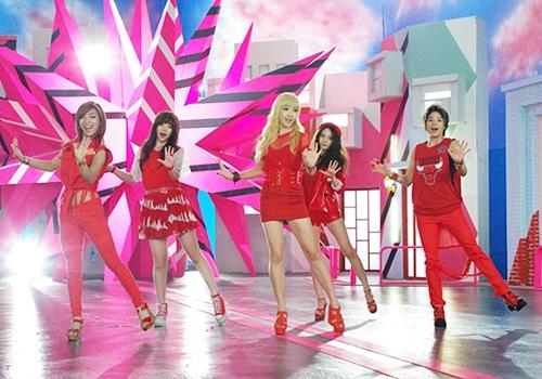 http://koreanupdates.com/2012/08/01/fx-hot-summer-japanese-version-short-pv/