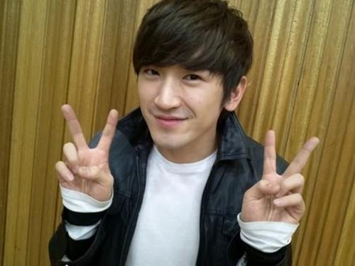 http://24-7kpop.com/2012/07/29/shinhwas-lee-min-woo-to-hold-fantastic-birthday-party/