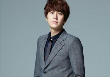 super-junior-kyuhyun-2014-1-3-s-307x512