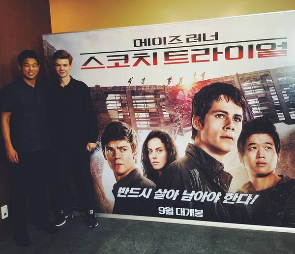Lee Ki Hong (L) & Thomas Brodie-Sangster in South Korea Image source: Ki Hong's instagram