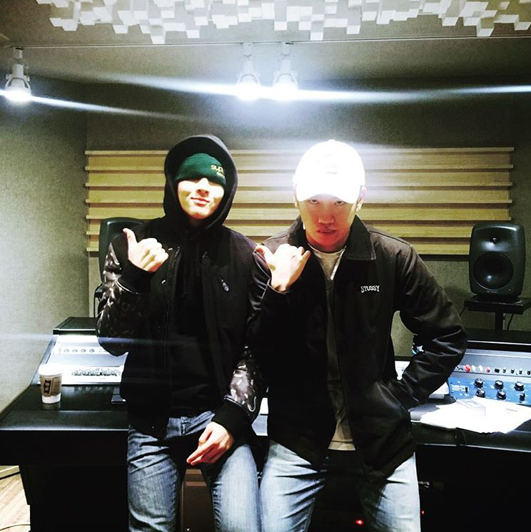 VIXX's Ravi (L) with his latest collaborator, Hanhae, the masterminds behind 'Good Woman'. Image Credit: @rravii0215