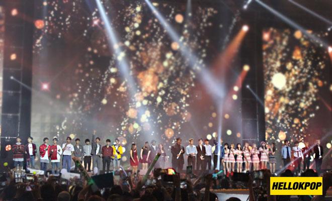 one k global peace concert singin finale