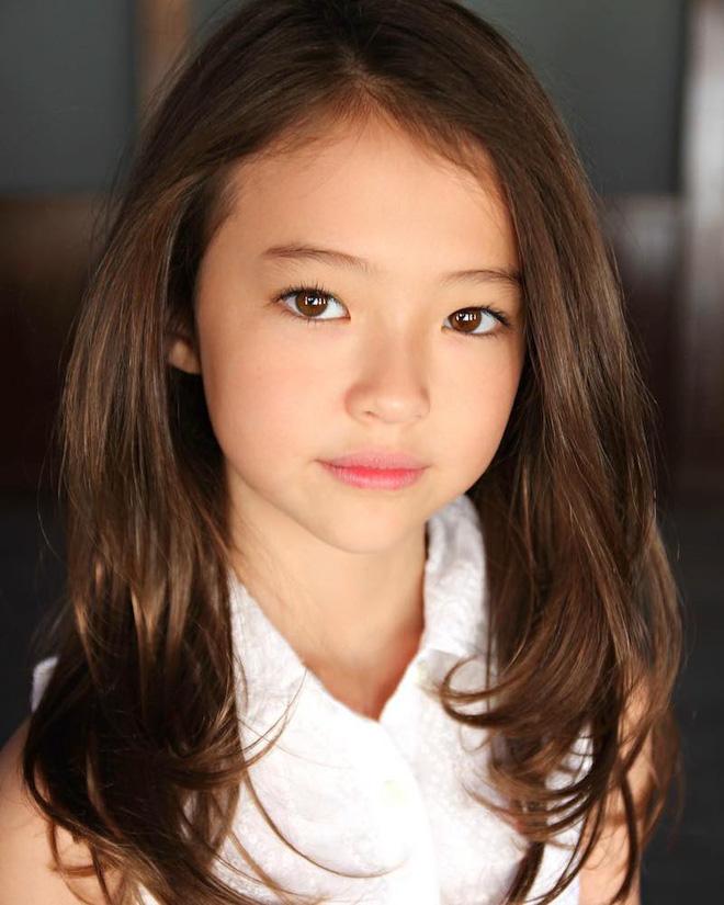 Meet Rising Korean American Child Model, Ella Gross