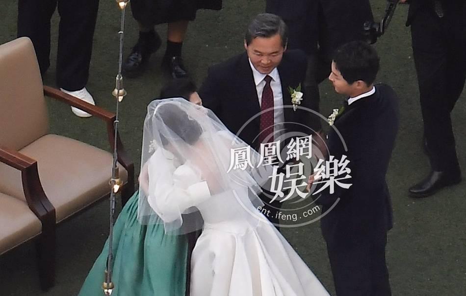 More Wedding Photos Of Song Joong Ki And Song Hye Kyo Revealed