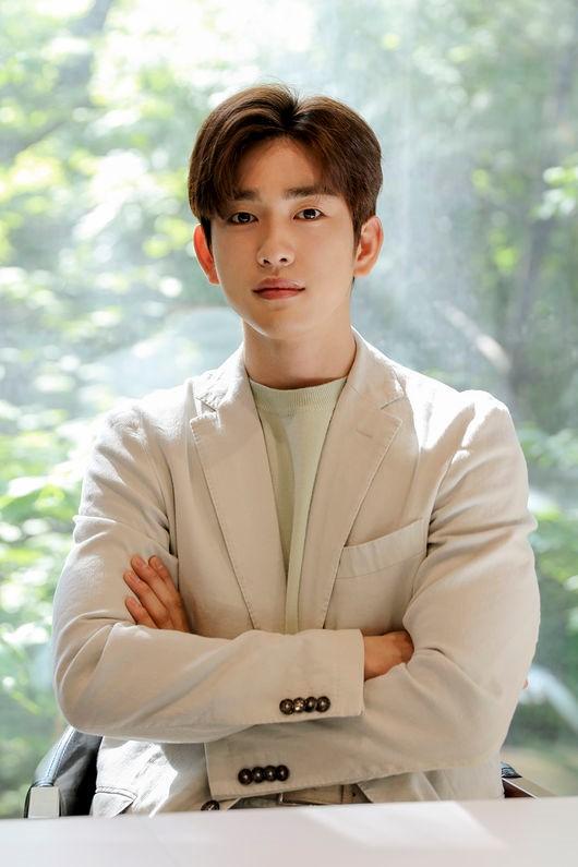 Park Jin Young3
