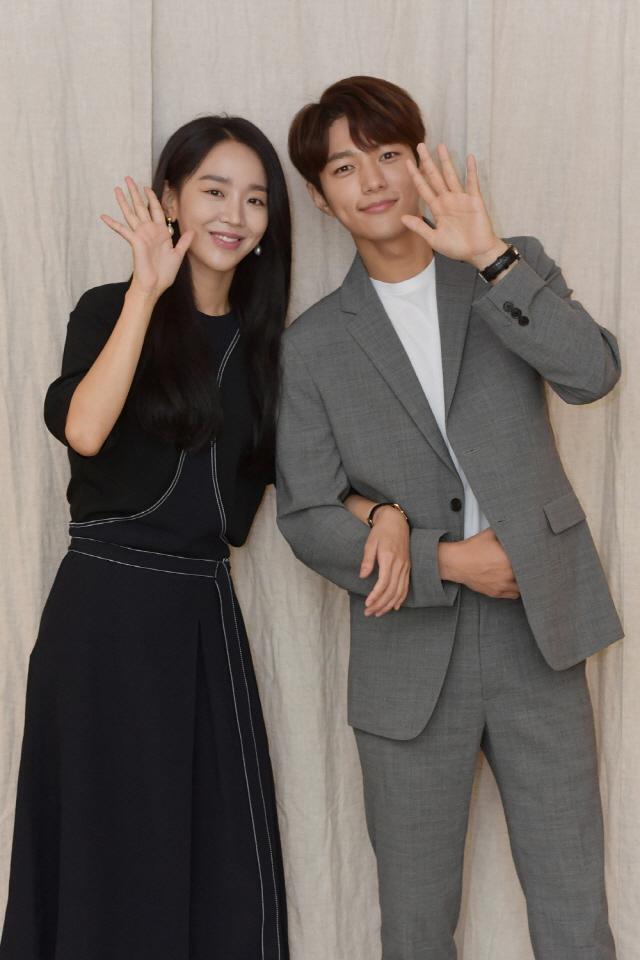 Infinite's L and Shin Hye Sun