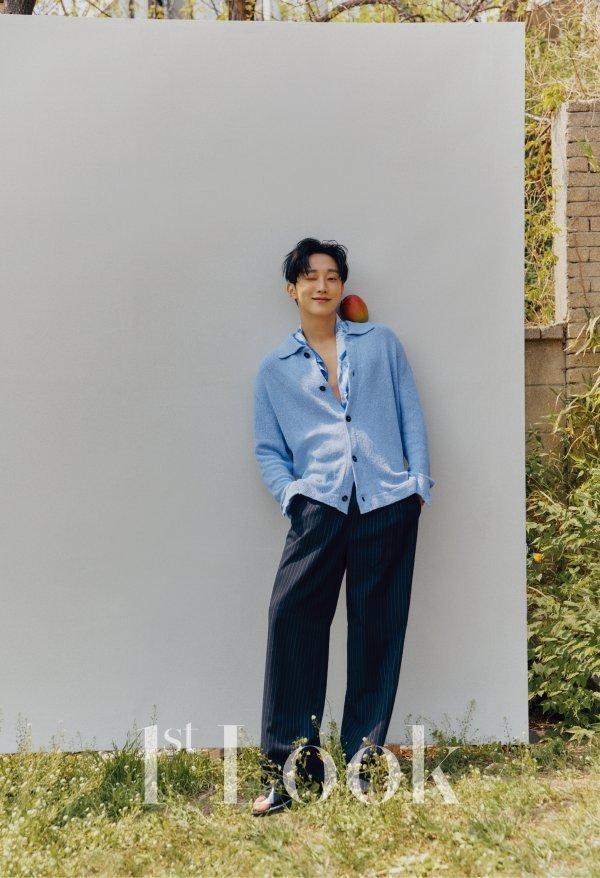 Jinyoung 1st Look
